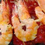 Langostinos afrodisiacos con mermelada picante de tomate
